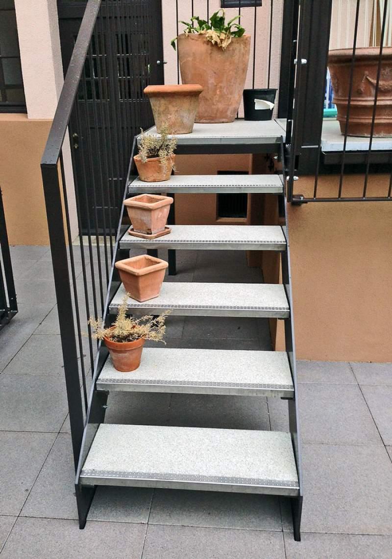 mineralit - treppenstufen - freitragend | dauerbeständig | wetterfest
